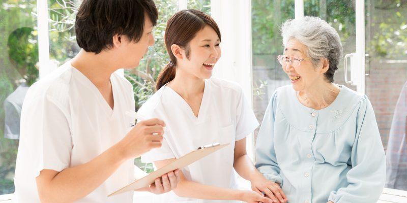 介護施設で働く看護師